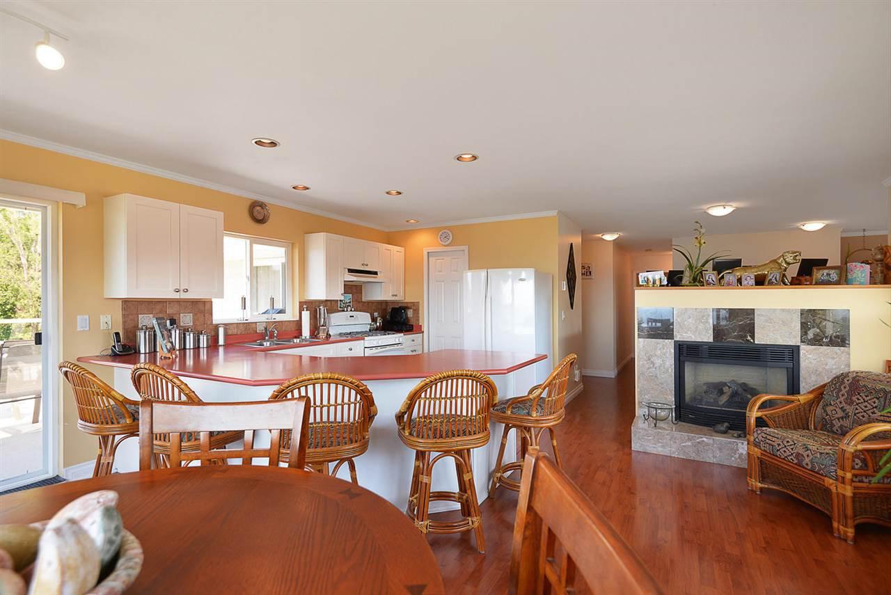 Photo 4: Photos: 4797 TAMARACK Place in Sechelt: Sechelt District House for sale (Sunshine Coast)  : MLS®# R2262210