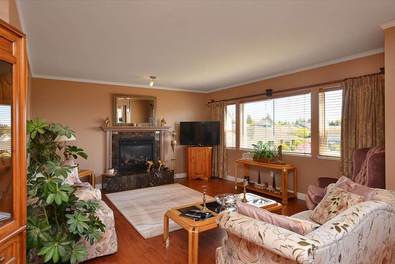 Photo 7: Photos: 4797 TAMARACK Place in Sechelt: Sechelt District House for sale (Sunshine Coast)  : MLS®# R2262210