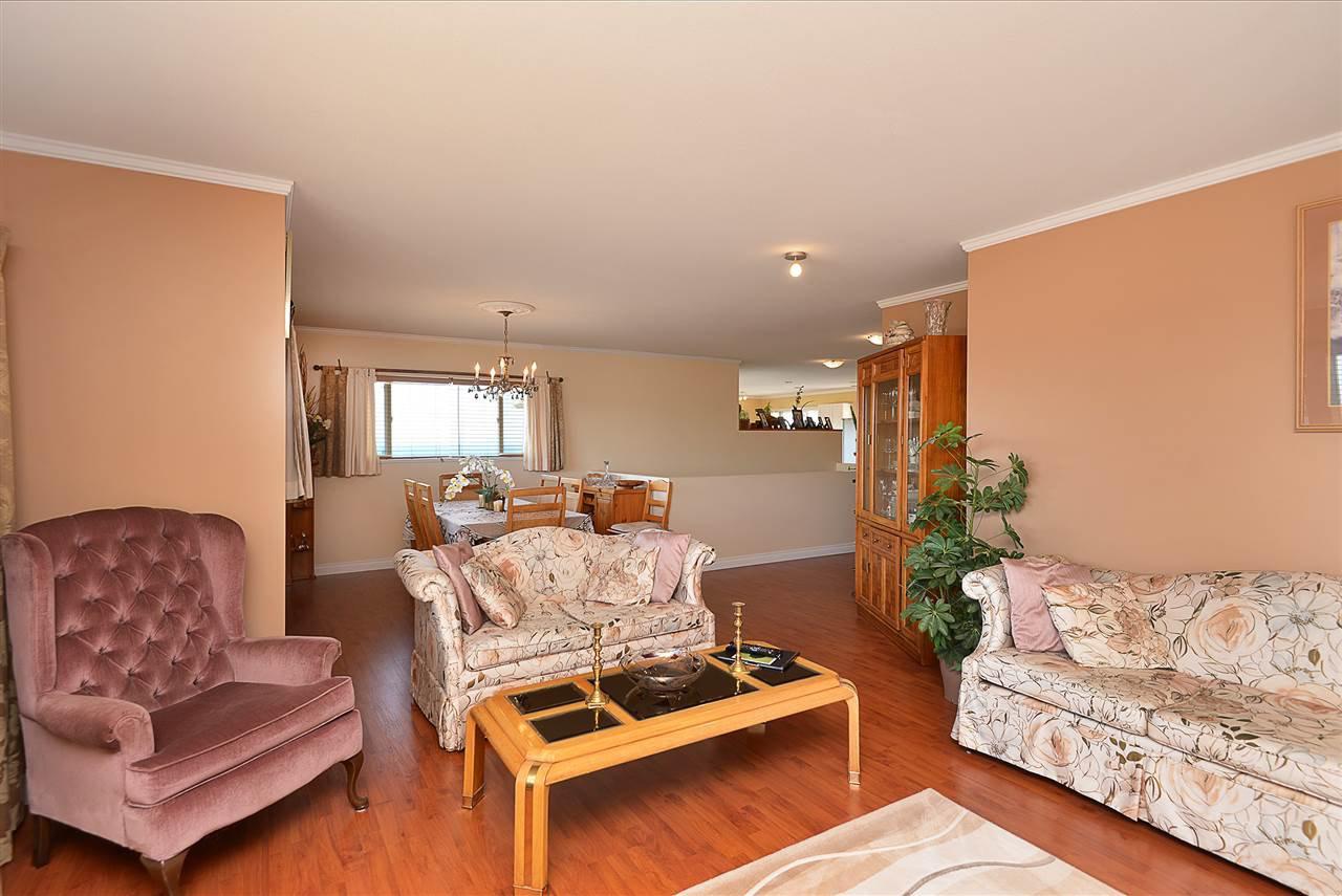 Photo 6: Photos: 4797 TAMARACK Place in Sechelt: Sechelt District House for sale (Sunshine Coast)  : MLS®# R2262210