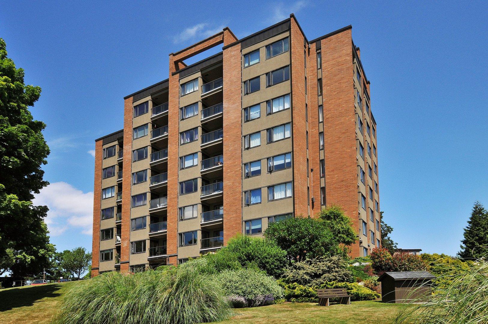 Main Photo: 508 105 E Gorge Road in VICTORIA: Vi Burnside Condo Apartment for sale (Victoria)  : MLS®# 390963