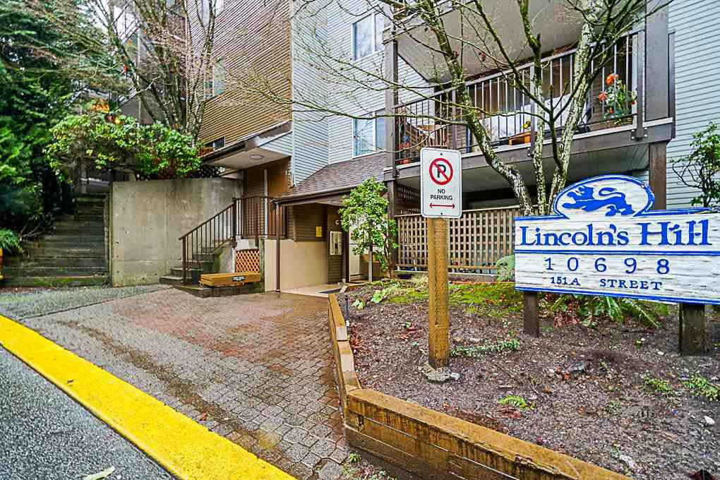 "Main Photo: 407 10698 151A Street in Surrey: Guildford Condo for sale in ""LINCOLN HILL"" (North Surrey)  : MLS®# R2330178"