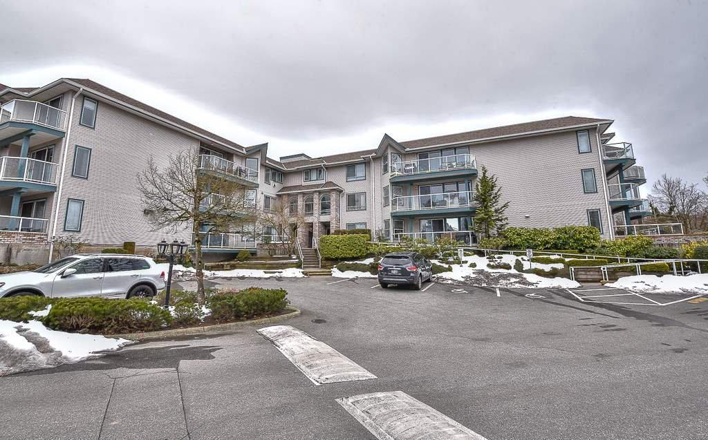 Main Photo: 301 27358 32 Avenue in Langley: Aldergrove Langley Condo for sale : MLS®# R2343465