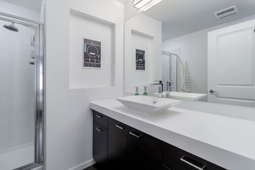 Photo 13: Photos: 122 3010 RIVERBEND Drive in Coquitlam: Coquitlam East Townhouse for sale : MLS®# R2386563