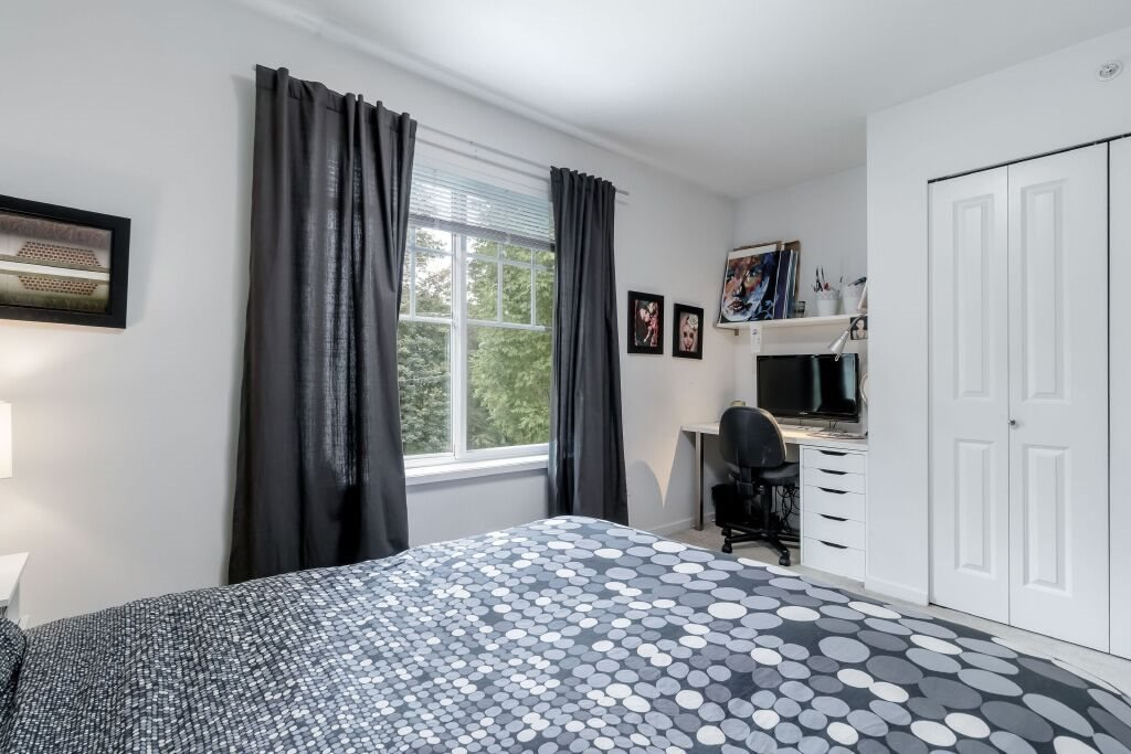 Photo 15: Photos: 122 3010 RIVERBEND Drive in Coquitlam: Coquitlam East Townhouse for sale : MLS®# R2386563