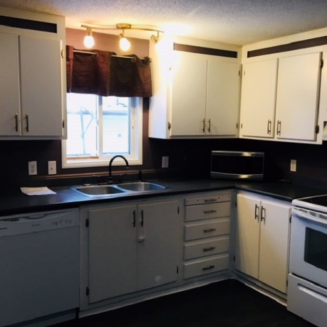 """Photo 5: Photos: 10 3211 GOOK Road in Quesnel: Red Bluff/Dragon Lake Manufactured Home for sale in """"DRAGON LAKE ESTATES"""" (Quesnel (Zone 28))  : MLS®# R2334362"""