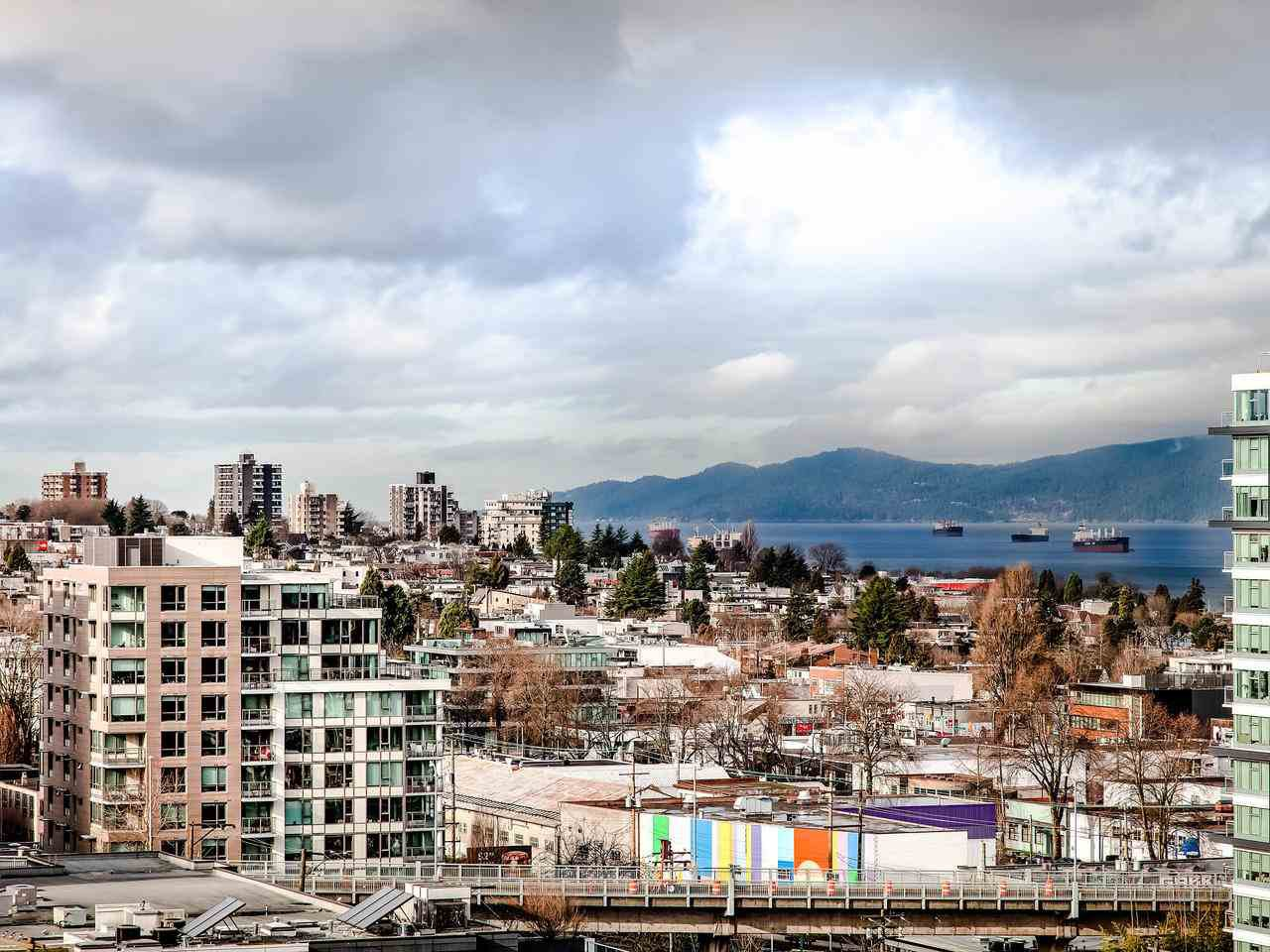 """Main Photo: 1003 1438 W 7TH Avenue in Vancouver: Fairview VW Condo for sale in """"DIAMOND ROBINSON"""" (Vancouver West)  : MLS®# R2445837"""