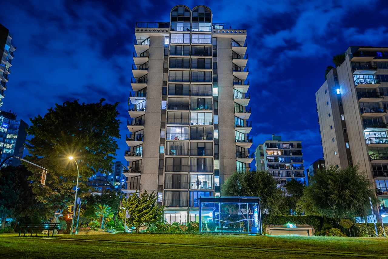 Main Photo: 1301 1575 BEACH AVENUE in Vancouver: West End VW Condo for sale (Vancouver West)  : MLS®# R2488362