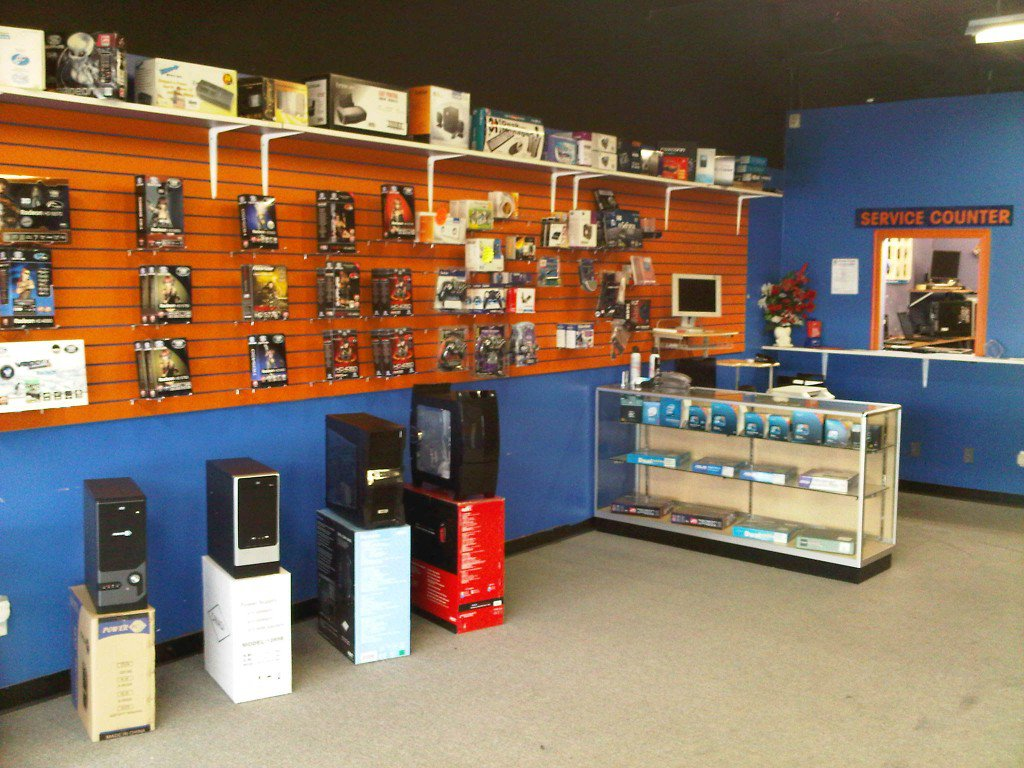 Main Photo: ~ COMPUTER STORE ~ in South Surrey: King George Corridor Home for sale (South Surrey White Rock)