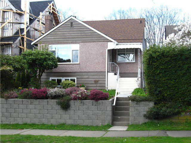 Main Photo: 4049 W 33RD AV in Vancouver: Dunbar House for sale (Vancouver West)  : MLS®# V1043567