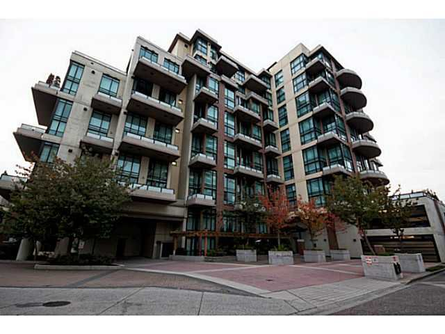 "Main Photo: 314 10 RENAISSANCE Square in New Westminster: Quay Condo for sale in ""Murano Lofts"" : MLS®# V1054623"