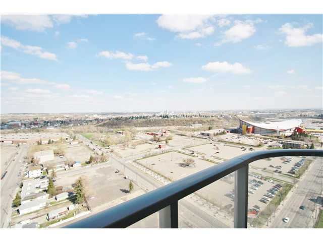 Main Photo: 2402 433 11 Avenue SE in CALGARY: Victoria Park Condo for sale (Calgary)  : MLS®# C3616363