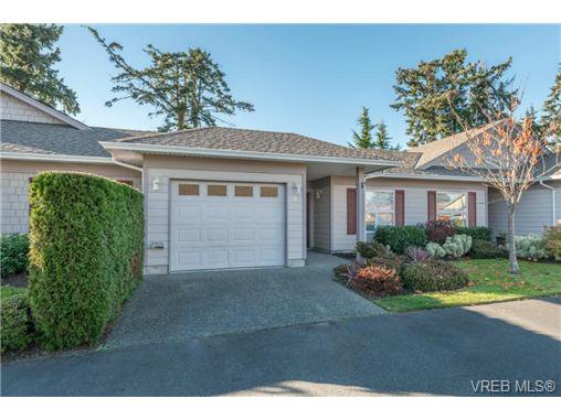 Main Photo: 8 7980 East Saanich Road in SAANICHTON: CS Saanichton Townhouse for sale (Central Saanich)  : MLS®# 344342