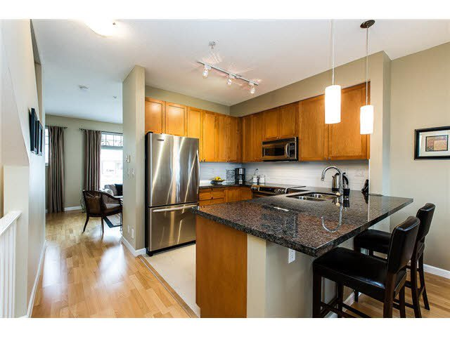 """Main Photo: 28 245 FRANCIS Way in New Westminster: Fraserview NW Townhouse for sale in """"GLENBROOK AT VICTORIA HILL"""" : MLS®# V1114087"""