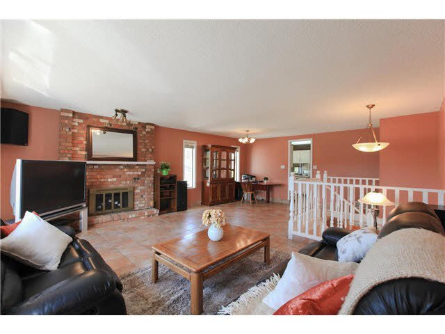 """Photo 2: Photos: 1982 ELIZABETH Drive in Coquitlam: River Springs House for sale in """"RIVER SPRINGS"""" : MLS®# V1142803"""
