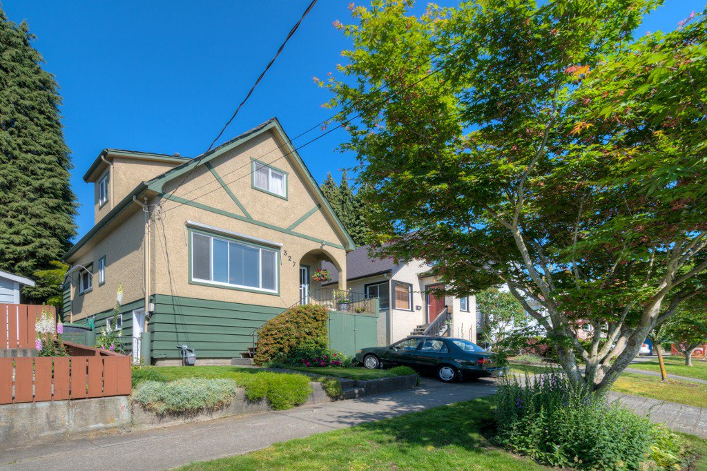 """Photo 39: Photos: 327 BUCHANAN Avenue in New Westminster: Sapperton House for sale in """"SAPPERTON"""" : MLS®# R2075704"""