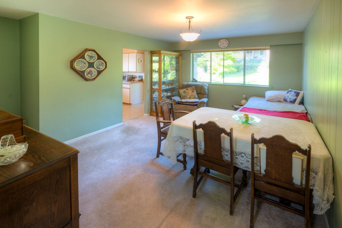 """Photo 4: Photos: 327 BUCHANAN Avenue in New Westminster: Sapperton House for sale in """"SAPPERTON"""" : MLS®# R2075704"""
