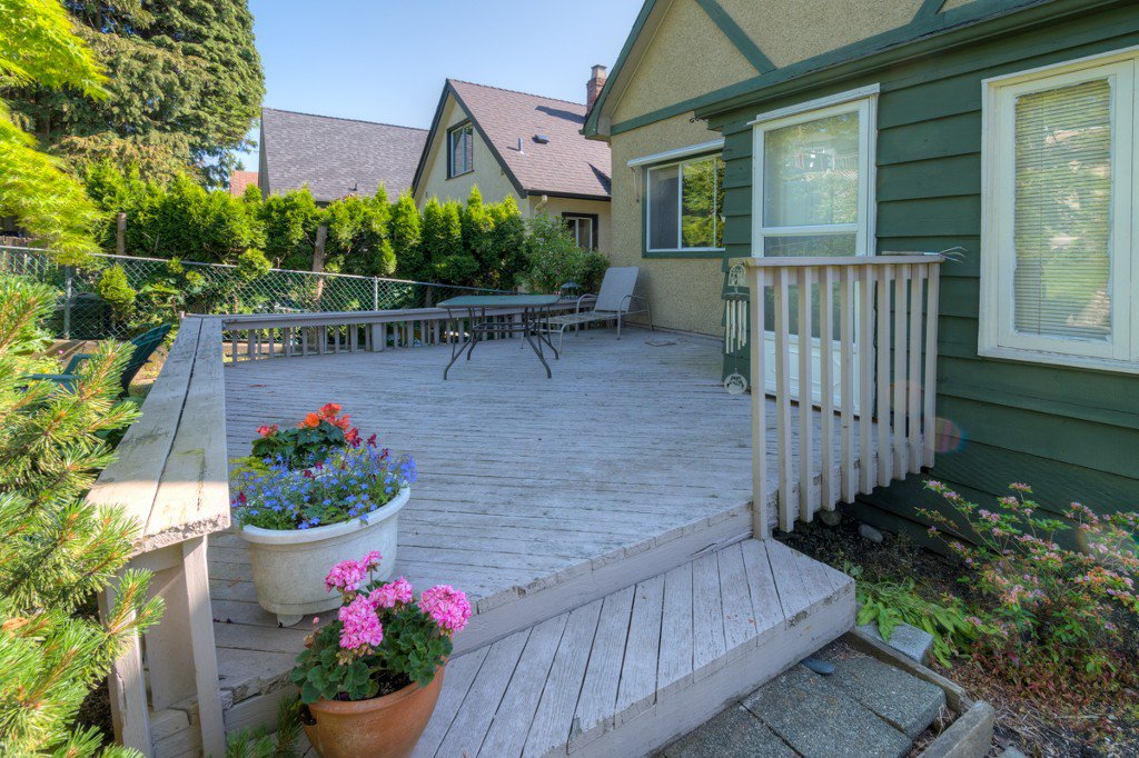 """Photo 37: Photos: 327 BUCHANAN Avenue in New Westminster: Sapperton House for sale in """"SAPPERTON"""" : MLS®# R2075704"""