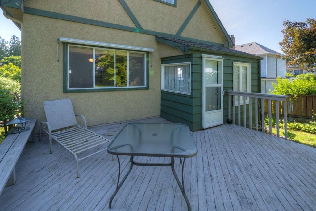 """Photo 38: Photos: 327 BUCHANAN Avenue in New Westminster: Sapperton House for sale in """"SAPPERTON"""" : MLS®# R2075704"""