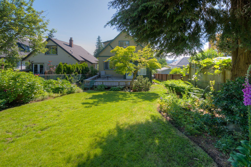 """Photo 33: Photos: 327 BUCHANAN Avenue in New Westminster: Sapperton House for sale in """"SAPPERTON"""" : MLS®# R2075704"""