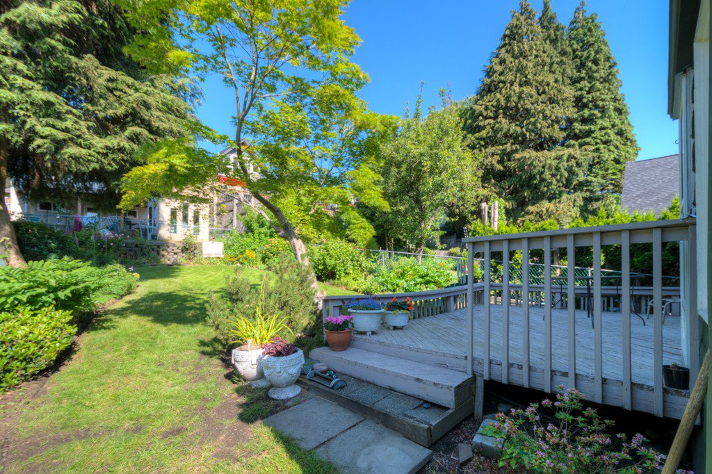 """Photo 31: Photos: 327 BUCHANAN Avenue in New Westminster: Sapperton House for sale in """"SAPPERTON"""" : MLS®# R2075704"""