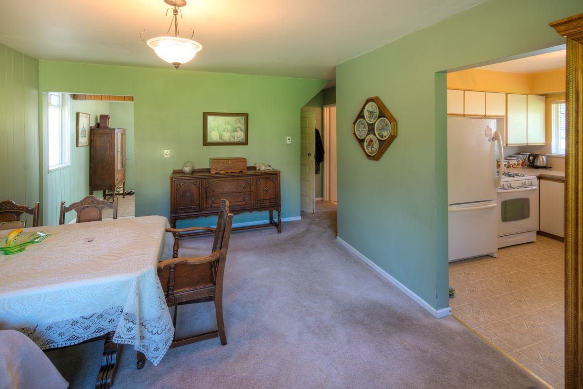 """Photo 5: Photos: 327 BUCHANAN Avenue in New Westminster: Sapperton House for sale in """"SAPPERTON"""" : MLS®# R2075704"""