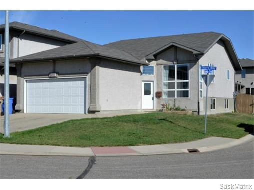 Main Photo: 4800 ELLARD Way in Regina: Single Family Dwelling for sale (Regina Area 01)  : MLS®# 584624