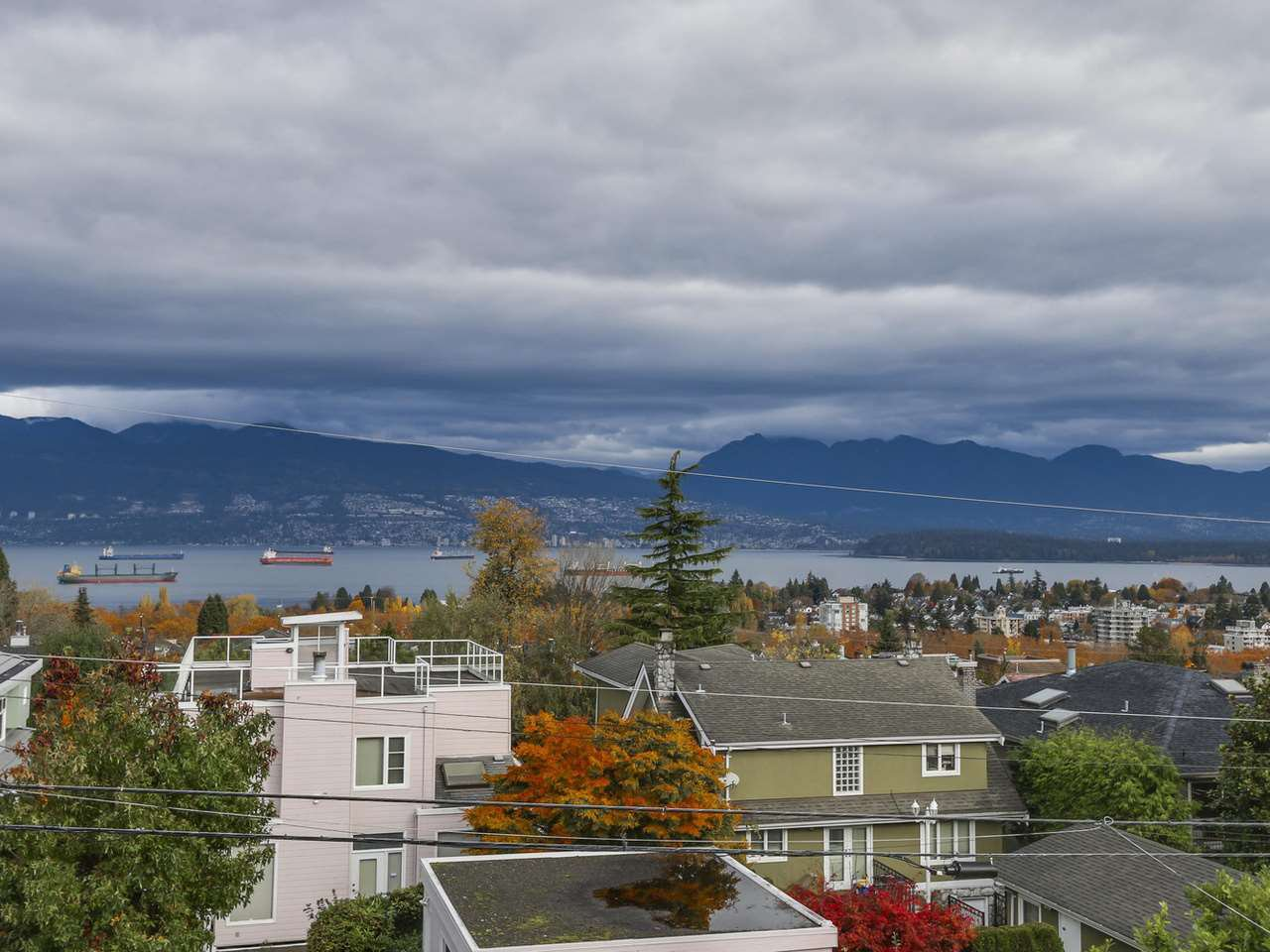 Main Photo: 3949 W 13TH Avenue in Vancouver: Point Grey House for sale (Vancouver West)  : MLS®# R2119677