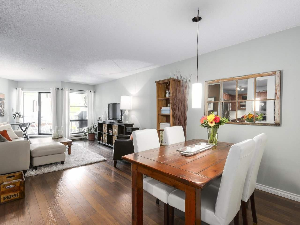 "Photo 3: Photos: 314 1106 PACIFIC Street in Vancouver: West End VW Condo for sale in ""WESTGATE LANDING"" (Vancouver West)  : MLS®# R2171131"