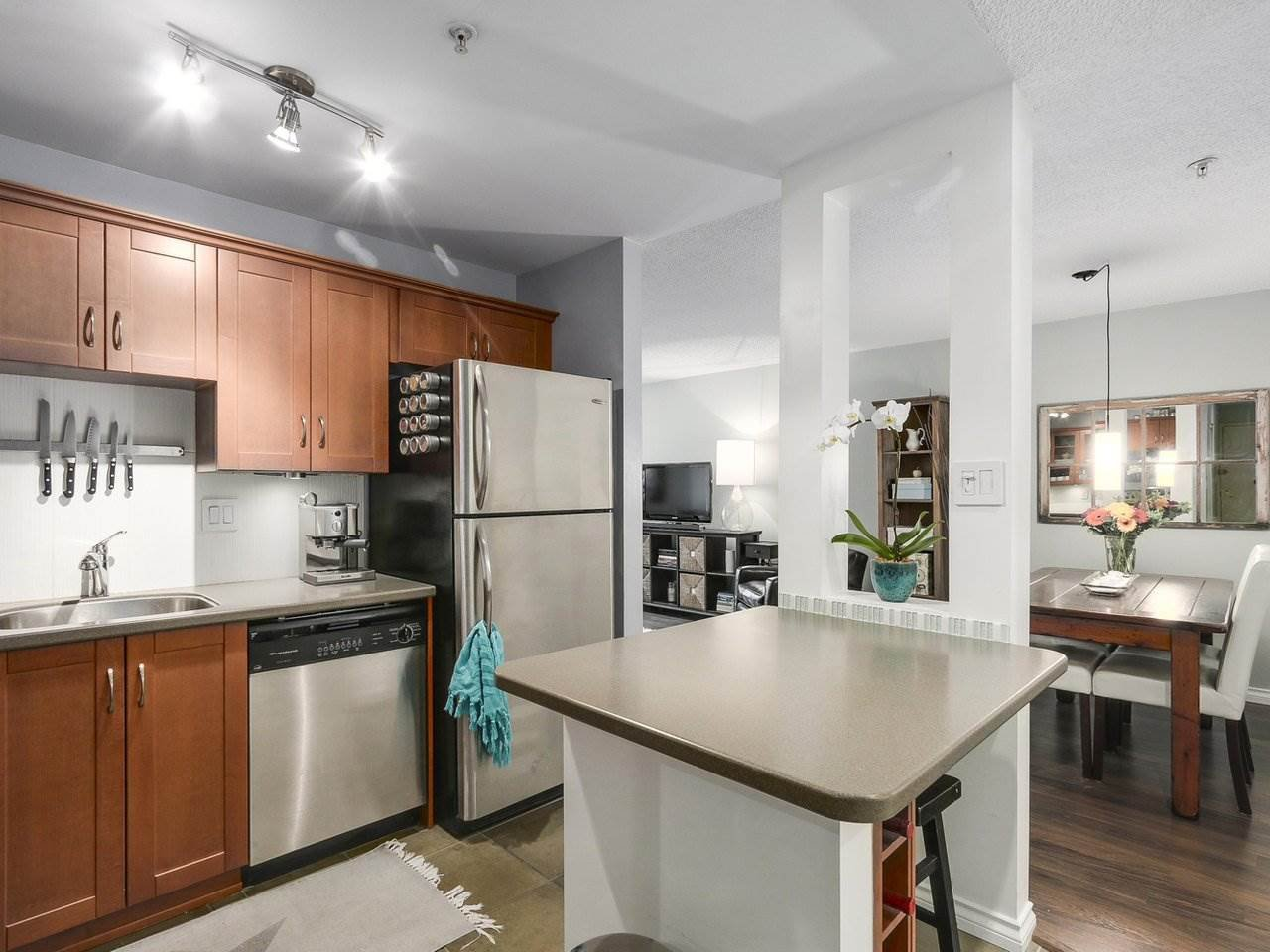 "Photo 11: Photos: 314 1106 PACIFIC Street in Vancouver: West End VW Condo for sale in ""WESTGATE LANDING"" (Vancouver West)  : MLS®# R2171131"