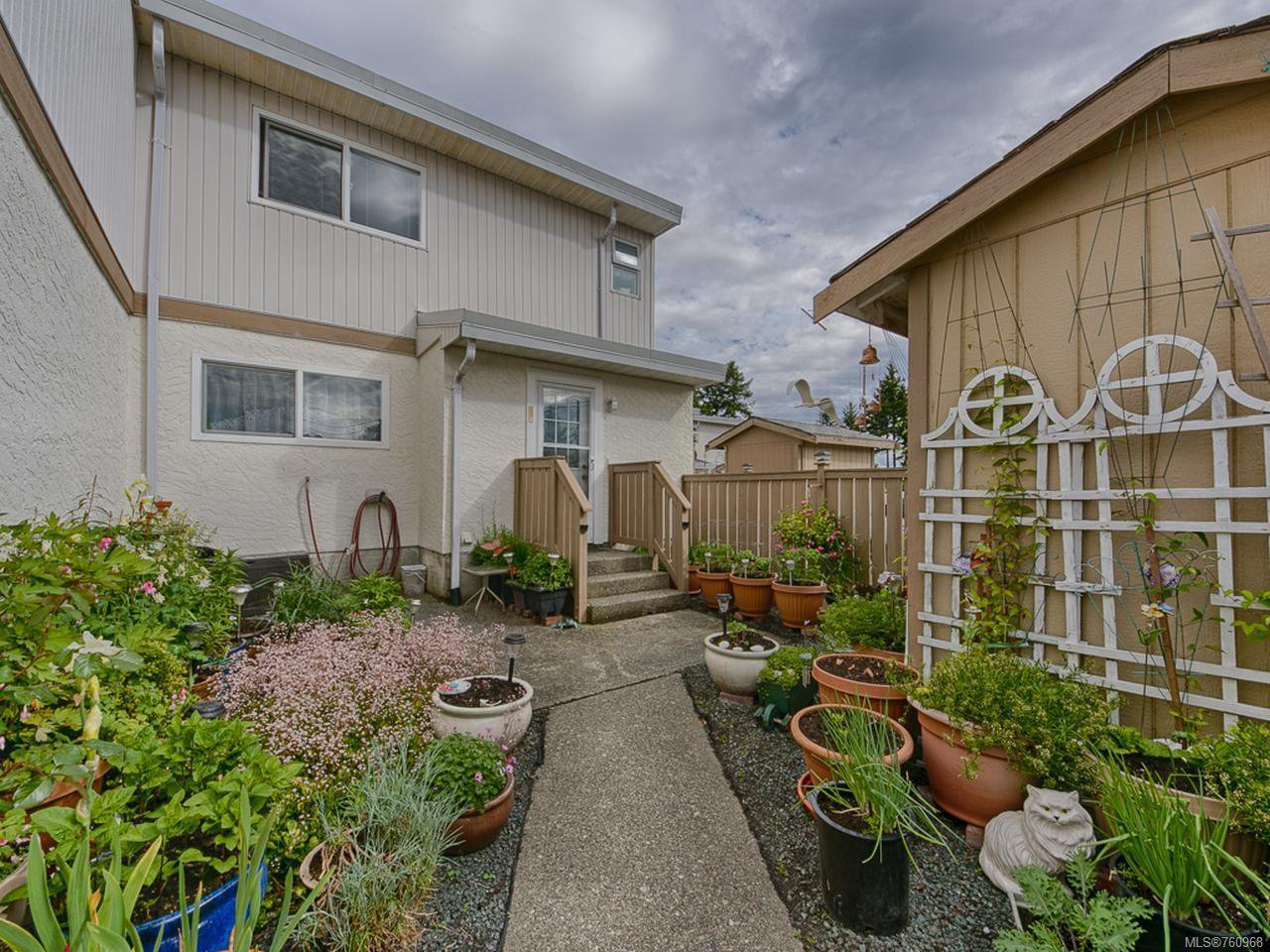 Main Photo: 3 400 Robron Rd in CAMPBELL RIVER: CR Campbell River Central Row/Townhouse for sale (Campbell River)  : MLS®# 760968
