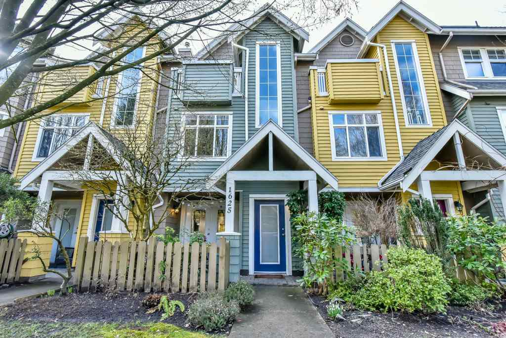 "Main Photo: 1625 MCLEAN Drive in Vancouver: Grandview VE Townhouse for sale in ""COBB HILL"" (Vancouver East)  : MLS®# R2244296"
