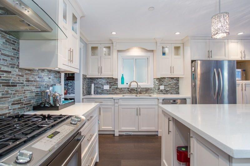 Photo 4: Photos: 15492 GOGGS Avenue: White Rock House for sale (South Surrey White Rock)  : MLS®# R2310910