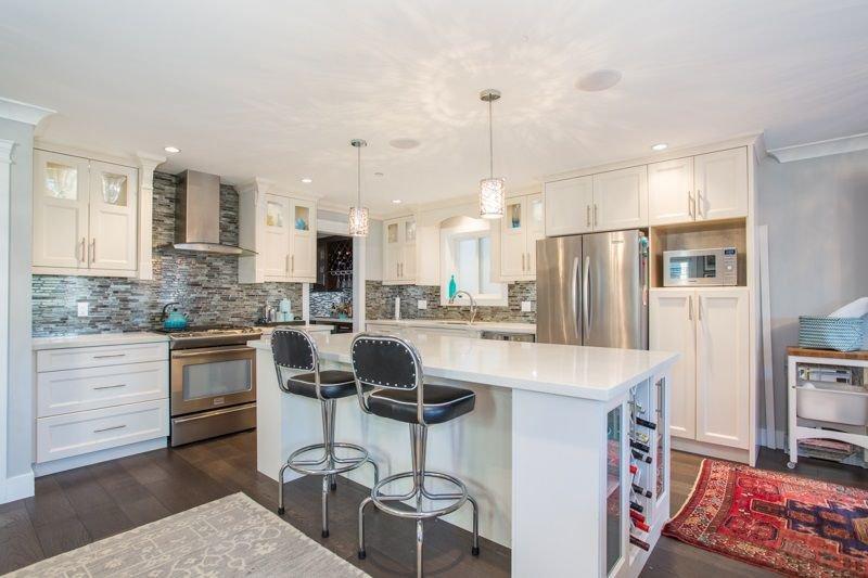 Photo 3: Photos: 15492 GOGGS Avenue: White Rock House for sale (South Surrey White Rock)  : MLS®# R2310910