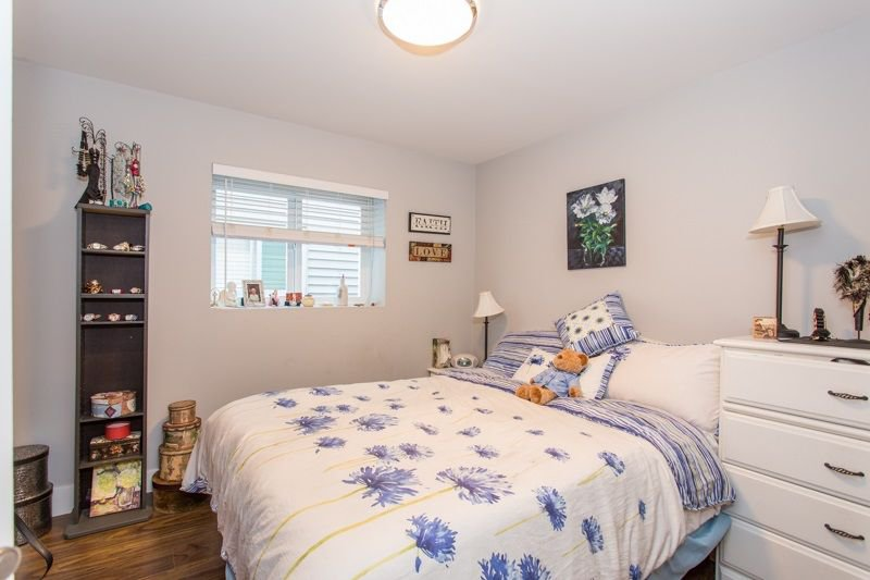 Photo 15: Photos: 15492 GOGGS Avenue: White Rock House for sale (South Surrey White Rock)  : MLS®# R2310910