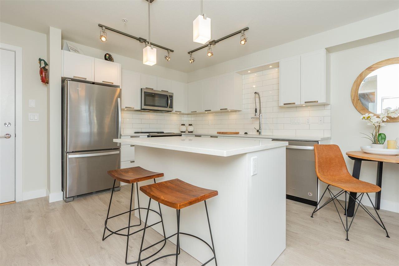 """Main Photo: 208 22562 121 Avenue in Maple Ridge: East Central Condo for sale in """"EDGE ON EDGE 2"""" : MLS®# R2336773"""