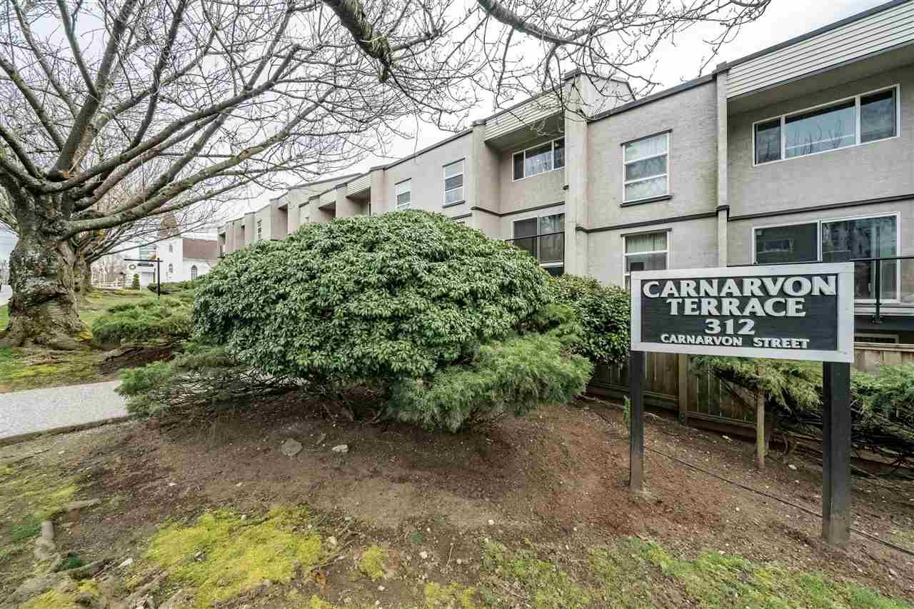 "Main Photo: 308 312 CARNARVON Street in New Westminster: Downtown NW Condo for sale in ""CARNARVON TERRACE"" : MLS®# R2351925"