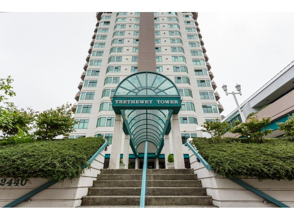 "Main Photo: 1002 32440 SIMON Avenue in Abbotsford: Abbotsford West Condo for sale in ""Trethewey Towers"" : MLS®# R2376551"