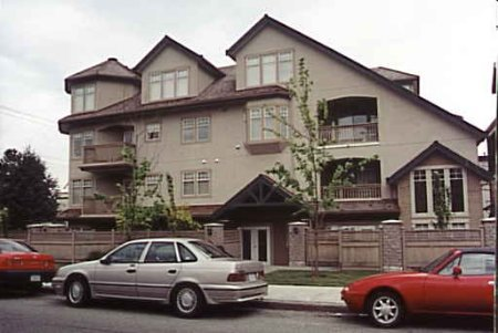 Main Photo: HUGE 1-BR IN KITSILANO!