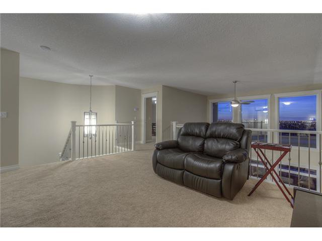 Photo 12: Photos: 160 AUBURN SOUND Manor SE in CALGARY: Auburn Bay Residential Detached Single Family for sale (Calgary)  : MLS®# C3611604
