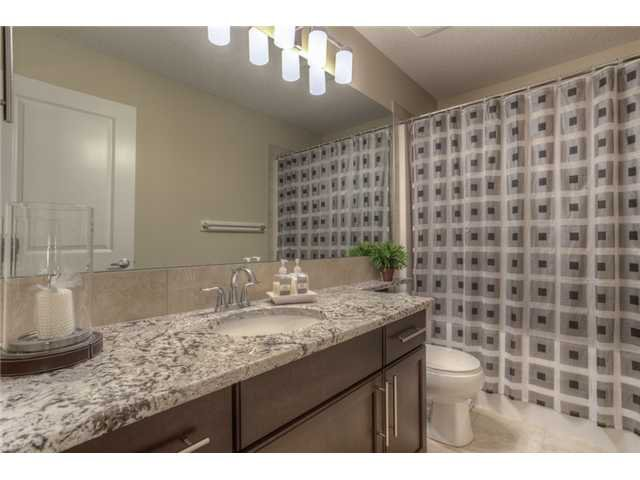 Photo 13: Photos: 160 AUBURN SOUND Manor SE in CALGARY: Auburn Bay Residential Detached Single Family for sale (Calgary)  : MLS®# C3611604