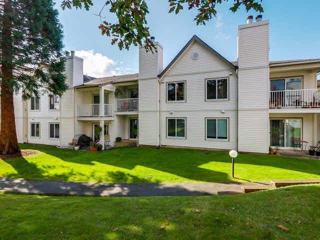 "Main Photo: 8 12916 17TH Avenue in Surrey: Crescent Bch Ocean Pk. Townhouse for sale in ""OCEAN PARK VILLAGE"" (South Surrey White Rock)  : MLS®# F1424675"