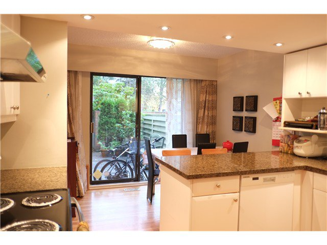 """Photo 3: Photos: 2238 MCBAIN Avenue in Vancouver: Quilchena Townhouse  in """"ARBUTUS VILLAGE"""" (Vancouver West)  : MLS®# V1091234"""