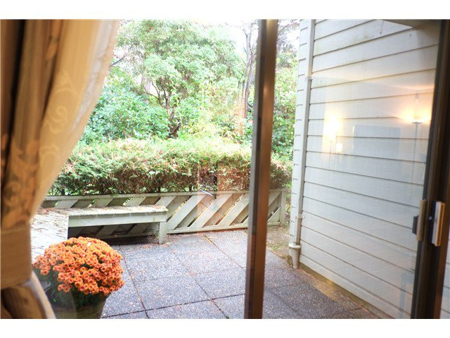 """Photo 6: Photos: 2238 MCBAIN Avenue in Vancouver: Quilchena Townhouse  in """"ARBUTUS VILLAGE"""" (Vancouver West)  : MLS®# V1091234"""