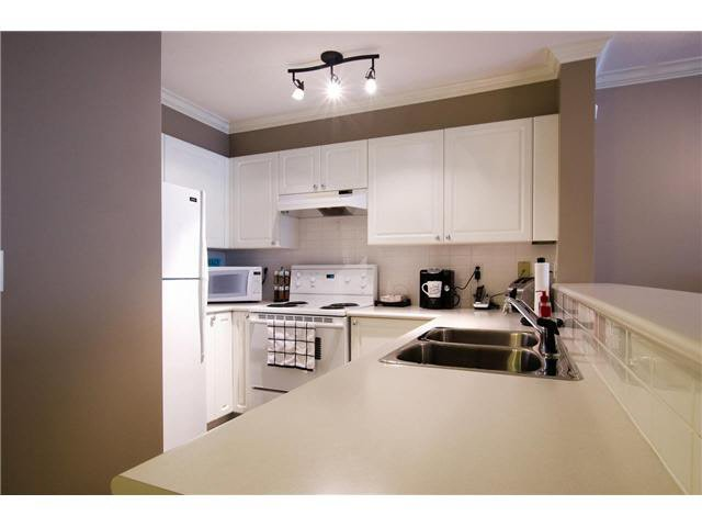 """Photo 5: Photos: 215 1363 56TH Street in Tsawwassen: Cliff Drive Condo for sale in """"Windsor Woods"""" : MLS®# V1114935"""