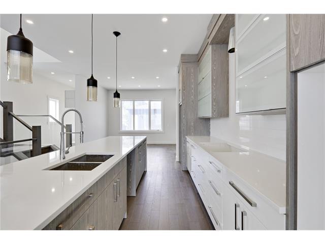 Main Photo: 2615 33 Street SW in Calgary: Killarney/Glengarry House for sale : MLS®# C4030535