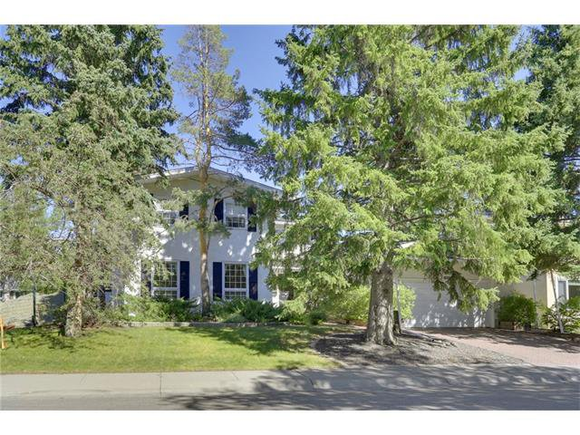 Main Photo: 6444 LAURENTIAN Way SW in Calgary: North Glenmore Park House for sale : MLS®# C4047532