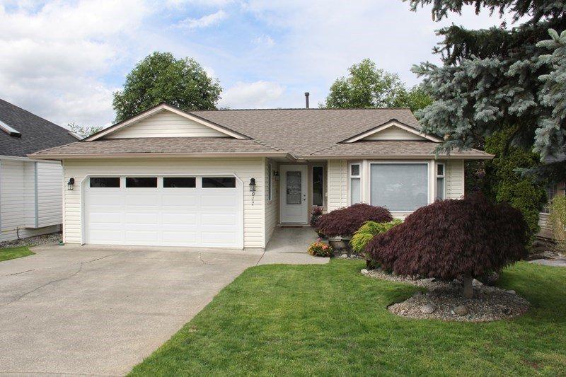 Main Photo: 9017 203B Street in Langley: Walnut Grove House for sale : MLS®# R2076804