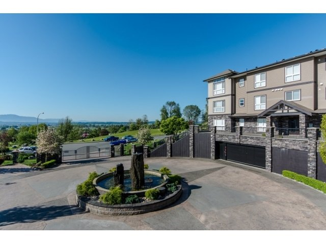 Photo 3: Photos: A117 33755 7TH Avenue in Mission: Mission BC Condo for sale : MLS®# R2143970