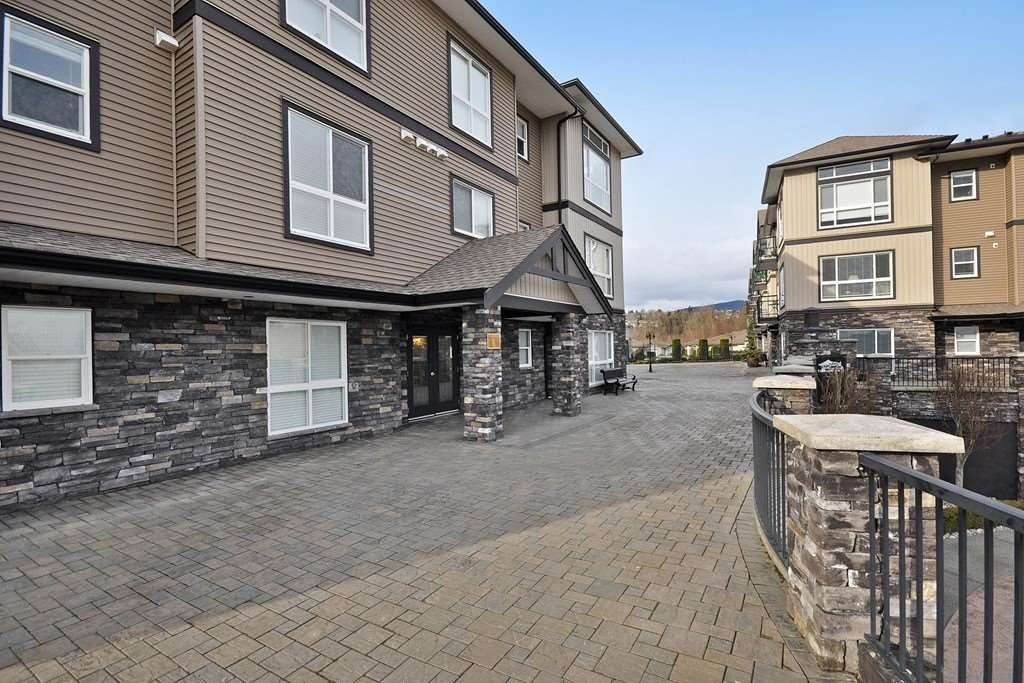 Photo 4: Photos: A117 33755 7TH Avenue in Mission: Mission BC Condo for sale : MLS®# R2143970