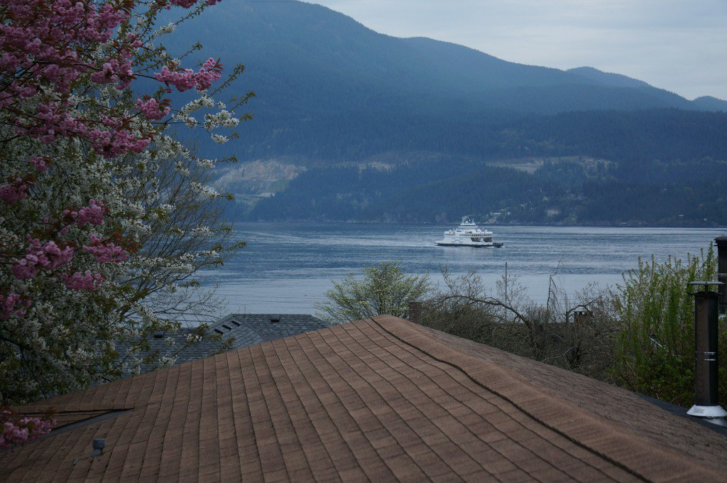 "Photo 3: Photos: 1117 LENORA Road: Bowen Island House for sale in ""DEEP BAY"" : MLS®# R2151113"